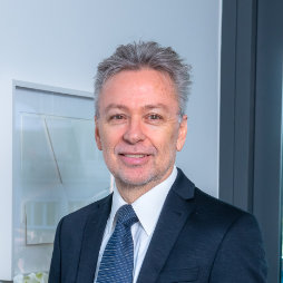Dr. iur. Peter Rüegger
